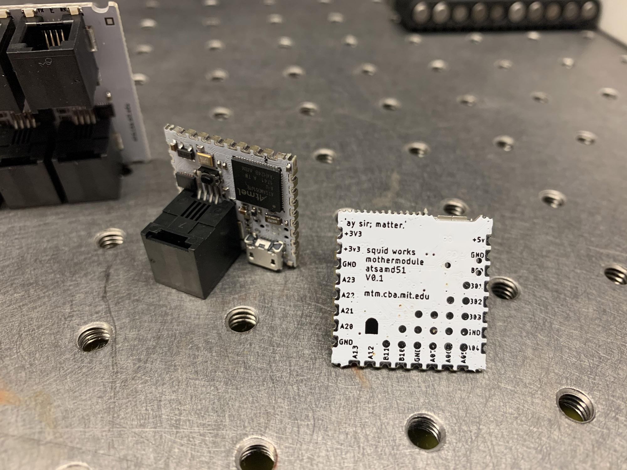 moduleboard-atsamd51/2019-10-30_mw-module.jpg